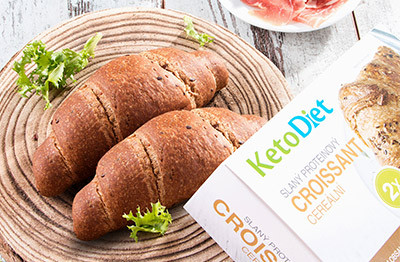 Mildly salted protein croissant with cereals is rich in protein and fibre.
